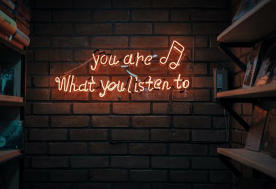 Mit Musik ins Unterbewusstsein: Wie der richtige Sound einen Wiedererkennungswert schafft